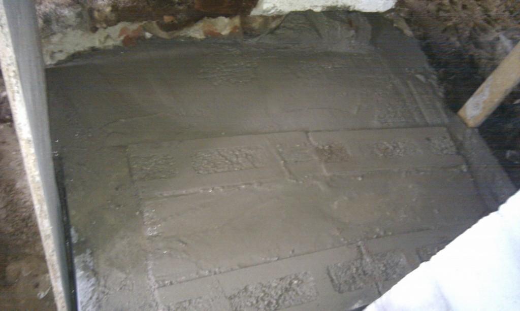 Fundamentet er 75cm dybt under øverste fundablok