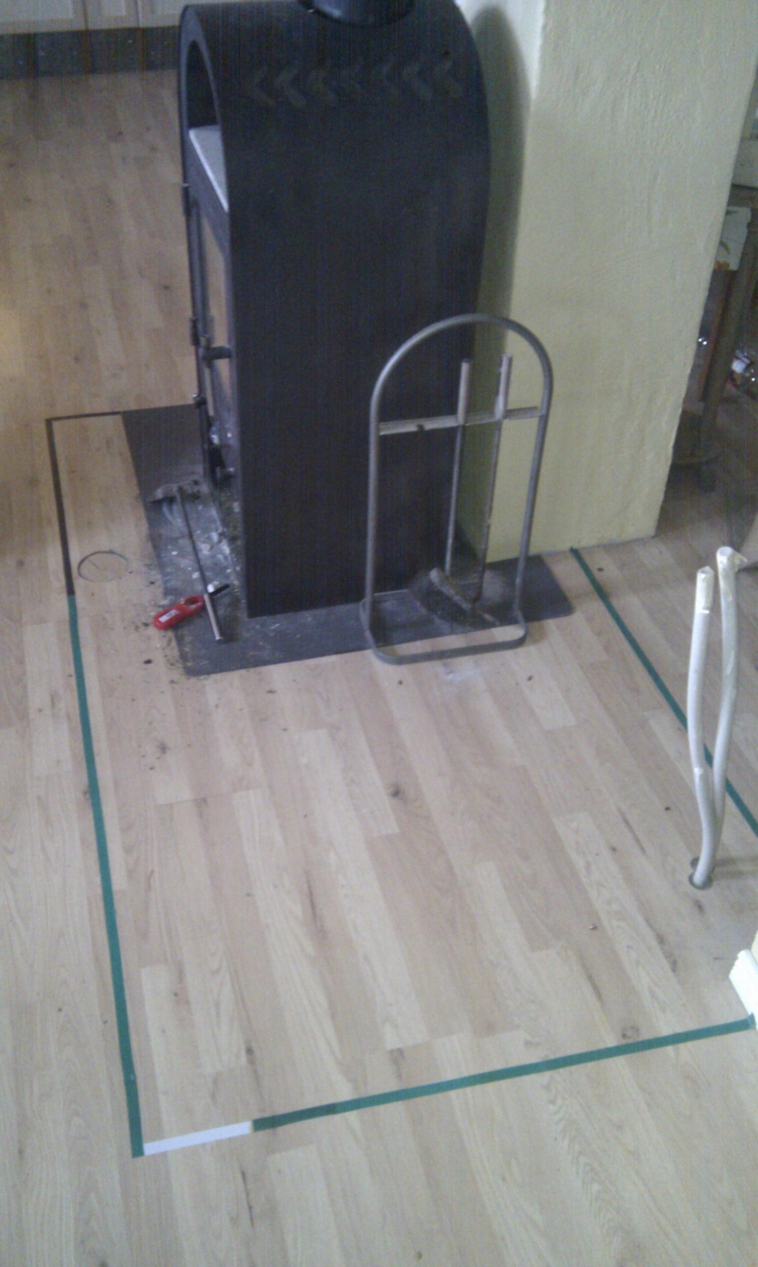 Markering på gulvet hvor ovnen skal være